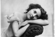 Vintage photography / Love the look of vintage photos. Poses, complexity with simplicity. / by Doreen Barker
