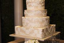 Wedding Cakes / by Ari (The Diva Dish)