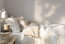 Luxurious Linen Bedding / Bedroom decor inspirations focused on luxurious linen bedding. / by Rare Paper