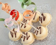 Sweets / by Malia Manzanarez