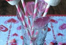 Valentines Day / Holiday Board / by Donna Hup