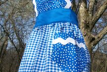 Aprons...my weakness! / by Naomi Fagerlund
