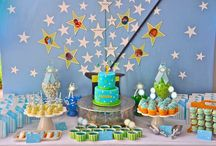 Boy's Magic Themed Birthday Party / magic | boy | birthday | party | ideas | cake | decorations | themes | supplies | favor | invitation | cupcakes  / by Spaceships and Laser Beams