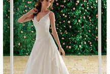 Weddingdresses / by Just Lovely We