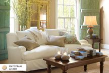 Decorating a Coffee Table / by Rhonda Stephens