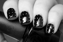 nails / by Mayra Gutierrez