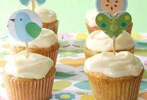 Make Cupcakes Not War / by Alisha Minor