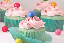 Cakes & Cupcakes / Delicious & decadent with frostings & toppings!  Yep, indulge! / by Laura Nobis