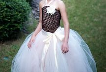 I Love Wedding Skirts More Than Dresses / by Lashuan Noakes-Chestnut