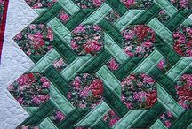 Quilting / by Sonia Montero