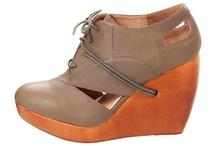 Fashion: Shoes / by Danielle Primiceri