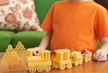 kids crafts / by Erin Van Arsdell Durning