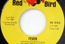Tim Thoelkes Vinyl Revue # 6 / Copyshop: Cover-Versionen die besser sind als das Original / by Absolut Radio