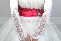 Top Wedding Gloves / Wedding gloves just for the brides! http://www.topwedding.com/wedding-gloves / by Topwedding