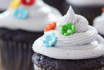 Cupcakes / by Vicki Hopper