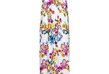 My Style Dresses Long / by Amanda Thompson-Mazzetti