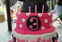 minnie mouse cake / by Mindy Meyer