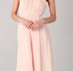 Pretty Dresses / by Heidi Butterfield