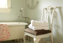 Bathrooms / by Catherine Comerford