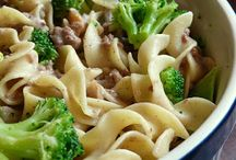 Food - Casseroles and One Pot Meals / by Megan Wharton
