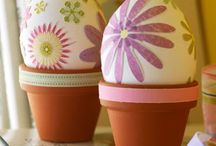 Easy elegant easter eggs / Who doesn't love Easter Eggs? There are so many ways to ejoy them with elegant designs that can be easy or complicated in their beauty. Though we could never forget the charm of a child's handiwork. / by GrandCanyon BedandBreakfast