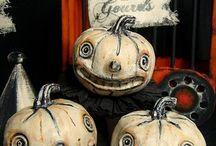 Halloween / by Teri Uliasz Boyungs