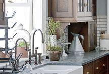 Kitchen Favorites / by Bonnie Rosser