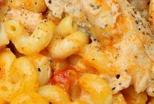 THAT'S Italian / yummy Italian recipes  / by Carol Sameasinhighschool