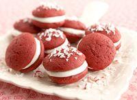 Sweets / by Joanna Bandelin