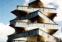 Edificios desaparecidos en España / Es un tablero de monumentos arquitectónicos españoles desaparecidos. / by Leon Hunter