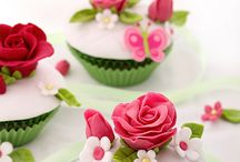Fab Cupcakes and cakelets / Inspiration, admiration and respect!! / by Xandra Vas