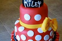 Cool Decorated Cakes / by Tricia Harvey
