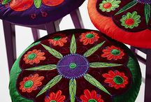 476 - Garden of Applique / Give your home a new look with these great embroideries. Update your living room, renew your garden furniture or make yourself a fun beachbag. Hoop sizes from 80x80 up to 360x200  / by PFAFF®