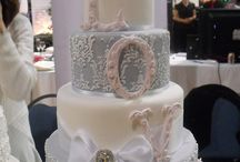 Wedding - Cake / by Lauren Bacon