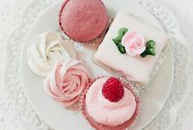 Cupcakes / by Madeline Clark