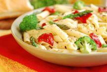 Healthy food / by Loubna Sealiti