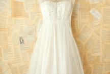 Wedding Dresses / by Hazel Q