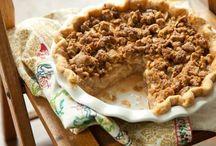 Turkey Day Recipes / by Maggie Gordon