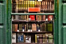 Libraries & Bookshops / by Cindy Hughes