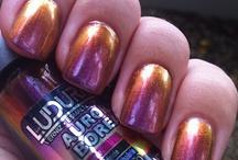 Nails / by Desislava Stoykova