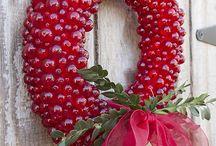 Wreaths / by Fifi Germ