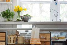 Kitchen storage / by Robin Gentry