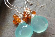 Jewelry Making / Jewelry I like or would like to try to make / by Rosa Balzamo