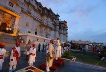 Rajasthan, l'héritage des Maharajahs .  / A la fin du mois de mars, Holi, l'une des plus grandes fêtes de l'Inde, la fête des couleurs, souhaite la bienvenue au printemps. C'est une occasion festive pour découvrir une des régions les plus majestueuses de l'Inde. Ce film nous emène à Udaipur découvrir le Palais du Maharajah qui se met au couleurs de Holi, tout comme Jaipur, qui célèbre la nouvelle saison avec une parade gigantesque d'éléphants.  Documentaire de 52 minutes  Réalisation Eric Bacos France 5 samedi 9 novembre 15h15 / by ANANDA PICTURES
