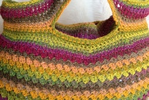 Bolsos de crochet / by Tere Benítez Gómez