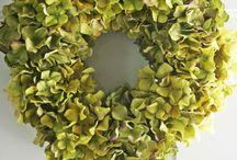 wreaths / by Karen Pedevilla