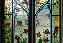 Stainglass and Tiffany Lamps... / by Betty Thompson