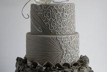 CAKES/CUPCAKES / by vanessa koehn