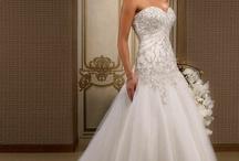 Wedding Dresses / by Paula Coelho