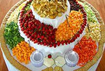 Wedding - Food & Dessert / by Kristy Eedens